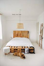 1000 ideas about pallet platform bed on pinterest bed frame design pallet bed frames and diy pallet bed bedroomeasy eye upcycled pallet furniture ideas