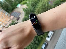 Обзор <b>Mi</b> Smart Band 4 NFC: первый <b>фитнес</b>-<b>браслет Xiaomi</b> с ...