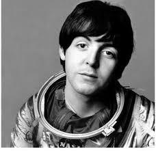 The Beatles Polska: Gdzie był Paul McCartney w środku nocy 21 lipca 1969 roku?