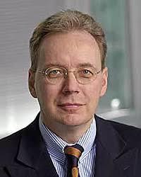 <b>Jörg Walter</b> wurde im Juni 2000 im Rahmen der Umstrukturierung der Börse in <b>...</b> - dr_joerg_walter