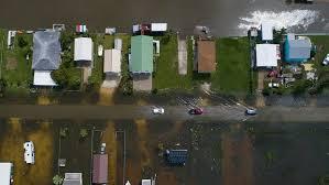 Houston-Area Flooding Causes Flight Delays, Road Closures