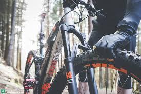 What <b>tire pressure</b> should I run in my eMTB? | E-MOUNTAINBIKE ...