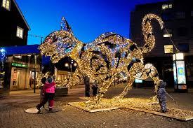 <b>Christmas Cat</b> Illuminates Lækjartorg Square - Iceland Monitor