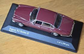 MiniChamps - 1:43 - Jaguar <b>XJ</b> Série II - Regency <b>Red</b> - 1 of 1296 ...