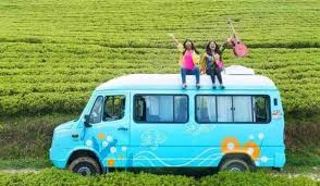 Meet Two <b>Girls</b> Living It Up In A <b>Caravan</b> Like Enid Blyton Characters!