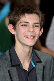Robbie Kay Height - How Tall