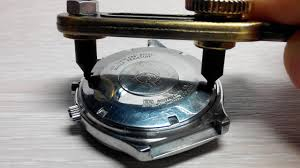 How to open screw down watch <b>case</b> back / Как открыть ...