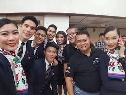 reasons why a flight attendant makes a great friend wings if you have flight attendant friends consider yourself lucky why here are 10 reasons why it is great to have a cabin crew friend
