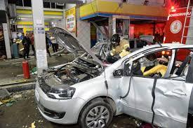 Resultado de imagem para imagem de carro abastecido com gas