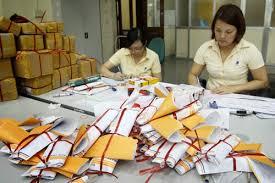 Kết quả hình ảnh cho gưi thư tại bưu dien của nhat ban