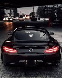 <b>Mercedes</b> AMG GT R