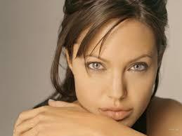 Angelina jolie catwoman? C'est officiel ! - Le 4 août 2008 à 16h12 - angelina-jolie-catwoman