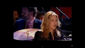 <b>Diana Krall</b> - Look Of Love (Live In Paris) - YouTube