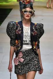 Resultado de imagem para Dolce & Gabbana apresenta um show tropical