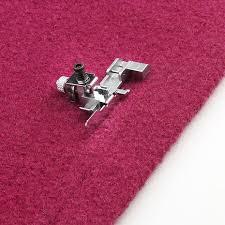 Прижимная <b>лапка для потайной подгибки</b> и пришивания кружева ...