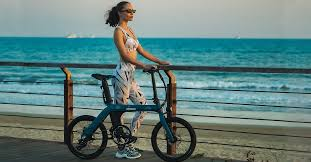 <b>fiido D11</b> urban <b>folding e</b>-bike offers 62 miles of assisted cycling