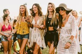 What is '<b>boho</b>' <b>style</b> clothing? A brief history and how to wear it - Rokit