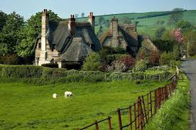 images?q=tbn:ANd9GcR9jNMjtu4B8y1YEqLnwvYgvahTUcGbi QW3FAYkD3cxKrR4RUK - THE MOST BEAUTIFUL ENGLISH COTTAGES PICTURES STUNNING ENGLISH COUNTRY COTTAGES AND HOMES IMAGES