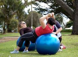 תוצאת תמונה עבור ‪REAL  picture from personal training WITH fitball‬‏