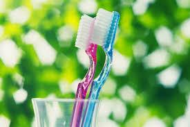 Bыпущена первая <b>нейлоновая зубная щетка</b> - Знаменательное ...