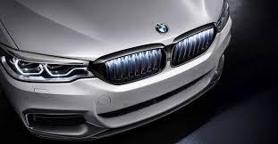 «Пятёрке» BMW тоже подсветили <b>решётку радиатора</b>
