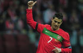 Berita Bola  - Hasil Euro 2012: CR7 OK, Oranye tersingkir, Portugal runner up