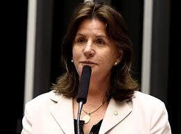 Resultado de imagem para imagens deputada federal Carmen Zanotto
