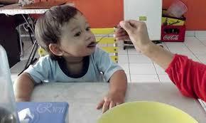 Image result for Agar Anak Mau Belajar Di Meja Makan
