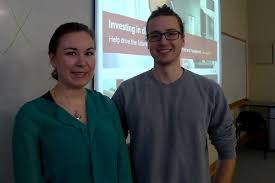 um today contest uncovers eye opening number of students laryssa sawchuk from the canadian diabetes association left and gavin pin whose essay