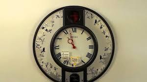 <b>Настенные часы SEIKO</b> QHM001KN с мелодией - YouTube