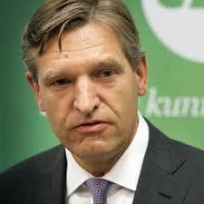 AMSTERDAM - CDA-lijsttrekker Sybrand van Haersma Buma vindt de aanval van VVD-leider Mark Rutte op de socialisten getuigen van een 'grote leegte'. - m1mxwbwam2b6_sqr256