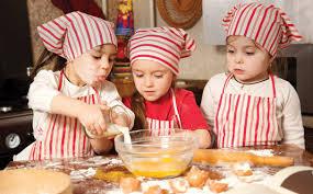 Afbeeldingsresultaat voor kinderen in de keuken