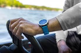 Компания Garmin выпустила морские <b>смарт</b>-<b>часы</b> нового поколения