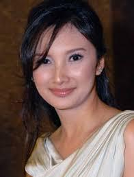 Kapanlagi.com - Lama tak tampak kiprahnya di tanah air, janda Tommy Soeharto yang tak lain adalah Raden Ajeng Ardhia Pramesti Regita Cahyani ... - tata_2904