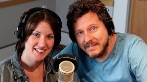 Programledarna Helena Gustafsson och Mattias Nilsson i Förmiddagen. Foto: Stina Linde/Sveriges Radio - 3252598_2048_1152