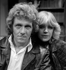 Peter Gilmore has died, aged 81. The British actor was best known for his starring role in the BBC series The Onedin Line, which ran for 10 years from 1971. - showbiz-peter-gilmore-marianne-faithfull-1
