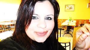 Karina Rosales, la joven encontrada degollada en Ibiza. 1402924612. - T.I.. Facebook (Me gusta); Tweetea! Twittear; Google Plus One. Compartir: - Karina-Rosales-encontrada-degollada-Ibiza_TINIMA20120516_0351_5