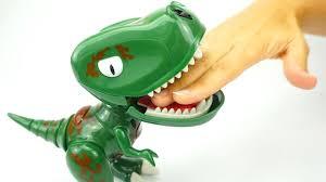 Распаковываем <b>игрушку робот Динозавр</b> - YouTube