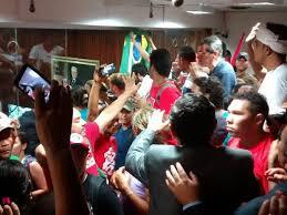 Resultado de imagem para Manifestantes protestam na Câmara Municipal de Mossoró fotos