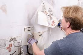 How to remove wallpaper | Ideas & Advice | DIY at B&Q