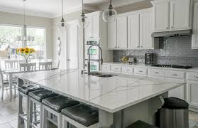 12 <b>Modern Quartz</b> Stone Colours for Large Kitchens ...