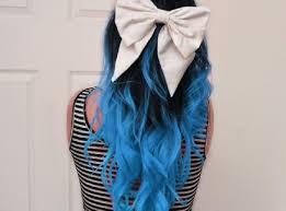 Resultado de imagem para cabelos azuis tumblr