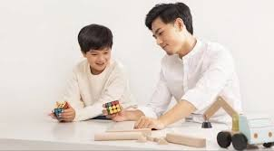 <b>Xiaomi's Smart Rubik's</b> Cube helps you solve the cube, also controls ...