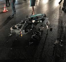 İzmir'de motosikletle kamyon çarpıştı: 1 ölü