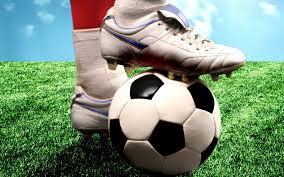 Resultado de imaxes para patear balon futbol