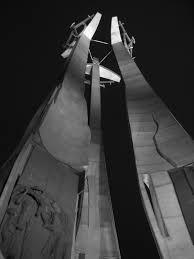historia gda ska wolna encyklopedia pomnik poleg322ych stoczniowcoacutew ofiar pacyfikacji podczas wydarze324 grudnia 1970