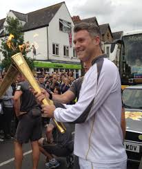 file dan lobb carrying the olympic torch in oxford jpg file dan lobb carrying the olympic torch in oxford jpg