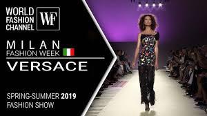 VERSACE   <b>SPRING</b>-<b>SUMMER</b> 2019 MILAN FASHION WEEK ...