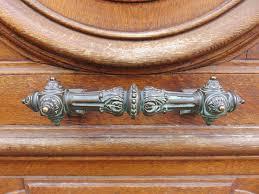 <b>Дверная ручка</b> — Википедия