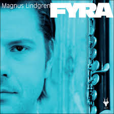 Det är här Sveriges hetaste jazzmusiker har skrivit låtarna till det nya albumet Fyra. Hela tiden inspirerad av världen runt omkring honom. Magnus Lindgren ... - 13412517-origpic-33fa8c